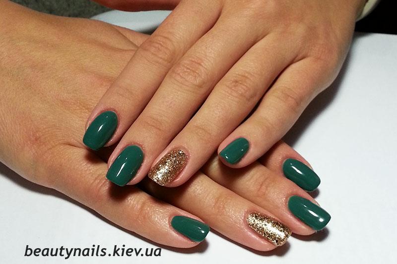 Дизайн ногтей гель лаком зеленый
