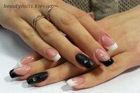 Нарвщивание ногтей френч с черным